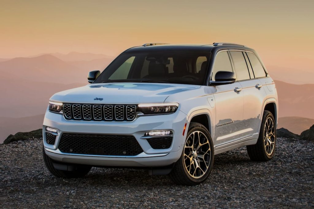 2022 Jeep Grand Cherokee 4xe Summit front