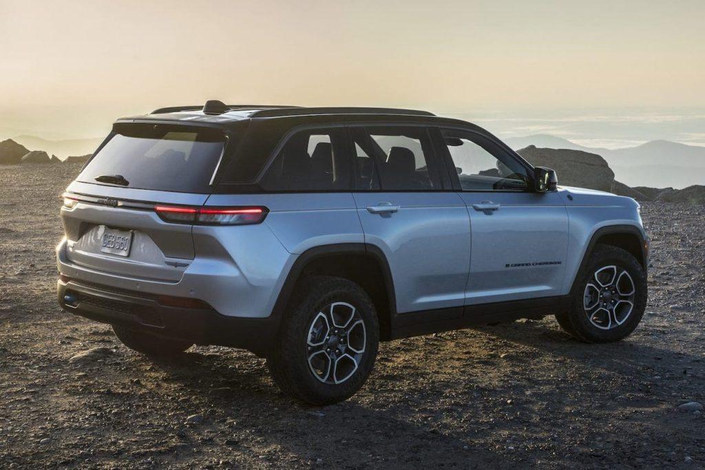 2022 Jeep Grand Cherokee 4xe Trailhawk rear