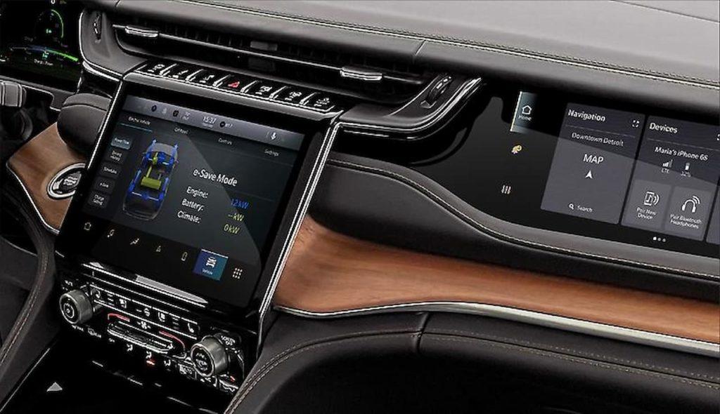 2022 Jeep Grand Cherokee 4xe interior center console