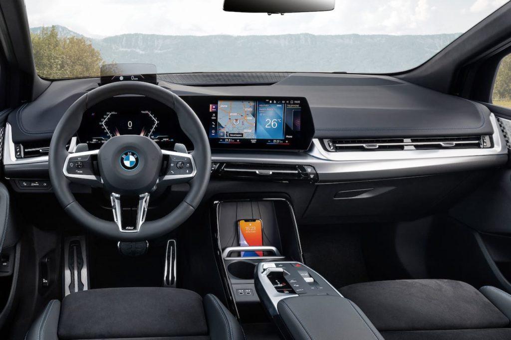 2022 BMW 2 Series Active Tourer PHEV interior dashboard