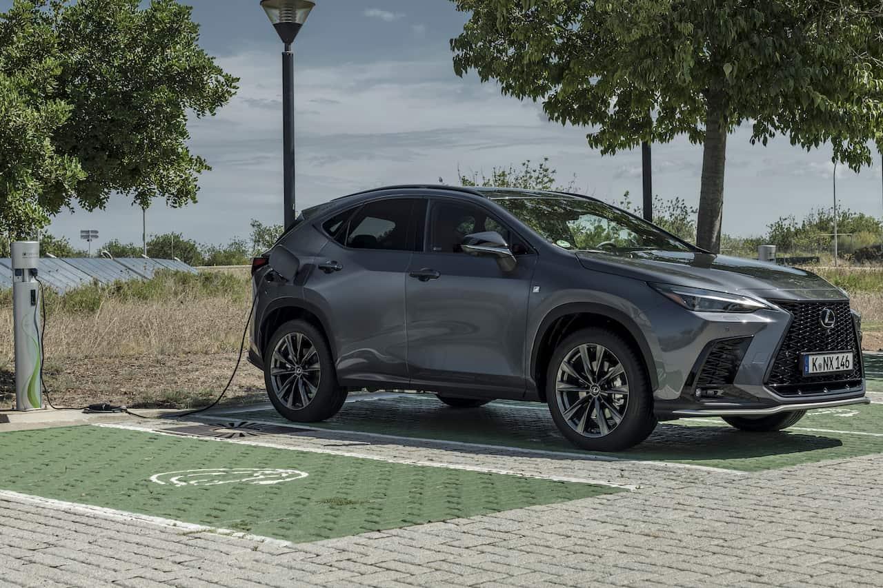 2022 Lexus NX 450h+ PHEV charging